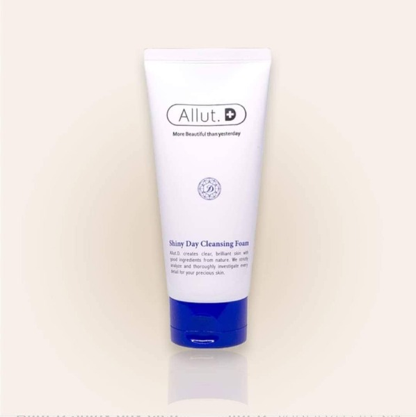 allut-shiny-day-cleansing-foam
